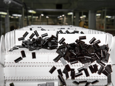 Modular belts for the confectionery industry
